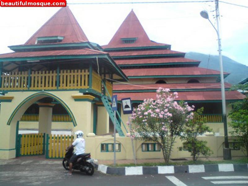 Beautiful Mosques Pictures Masjid Sultan Ternate Gambar Tua Maluku Utara
