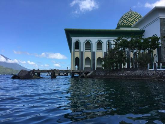 Giant Mosque Sea Review Al Munawwaroh Ternate Great Masjid Sultan