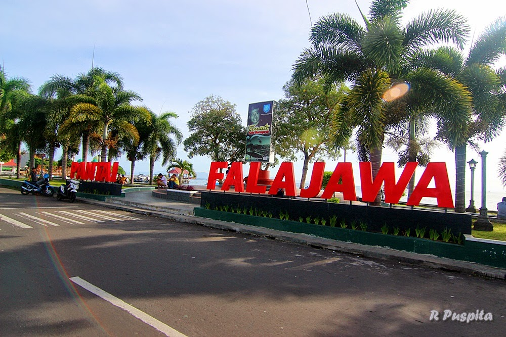 Live Adventure Ternate Pagi Kota Masjid Sultan
