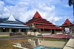 Masjid Kesultanan Ternate Dunia Jakarta Islamic Centre Menertibkan Aturan Adat
