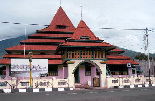 Masjid Sultan Ternate Indonesian Foto 1 1masjid Kota