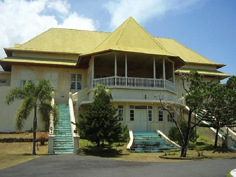 Mengintip Kemegahan Istana Kesultanan Ternate Sportourism Masjid Sultan Kota