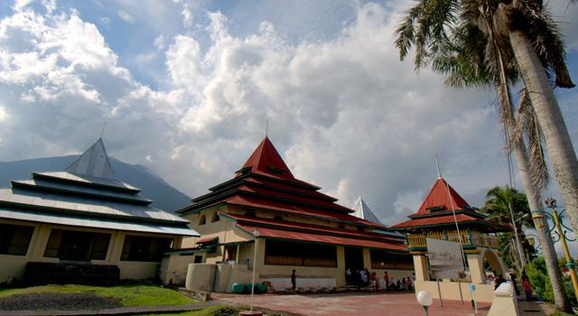 Pesona Sejarah Ternate Tidore Esq Tours Travel Masjid Sultan Kota