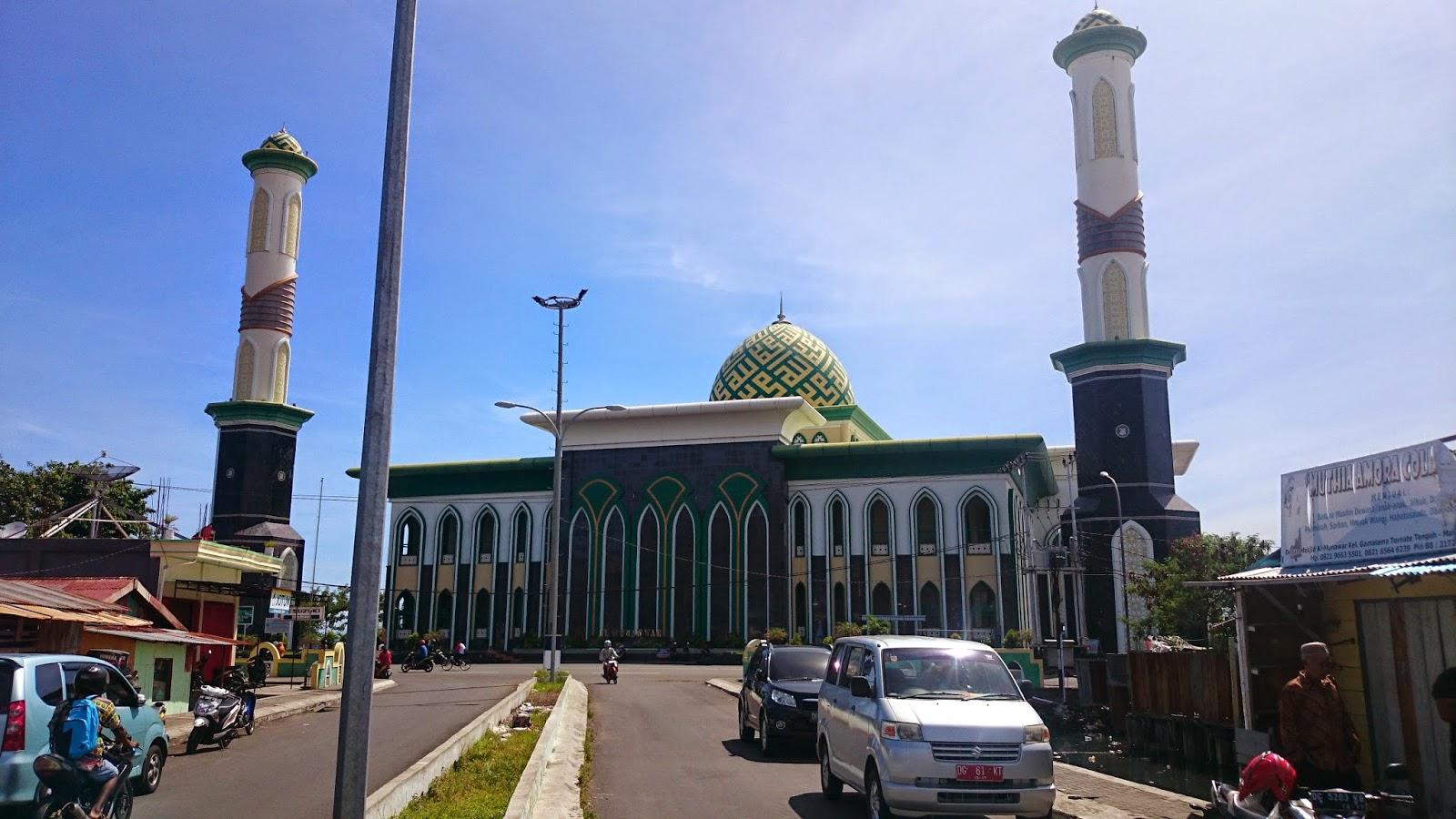 Takjub Indonesia Masjid Al Munawar Ternate Maluku Utara Bangun Tepi
