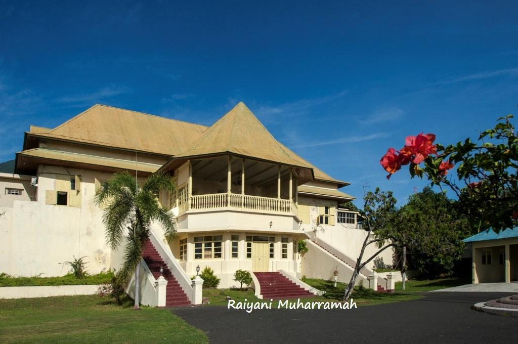 Ternate Antara Danau Mistis Benteng Serupa Alat Vital Pria Istana