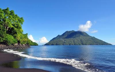 23 Places Ternate North Maluku Adventure Travel Pantai Kastela Kota