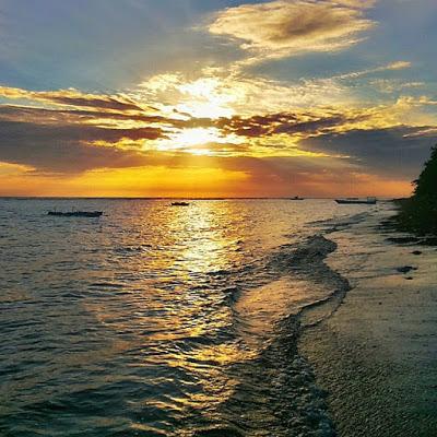 5 Tempat Wisata Populer Maluku Utara Indonesia Pantai Kastela Berdekatan