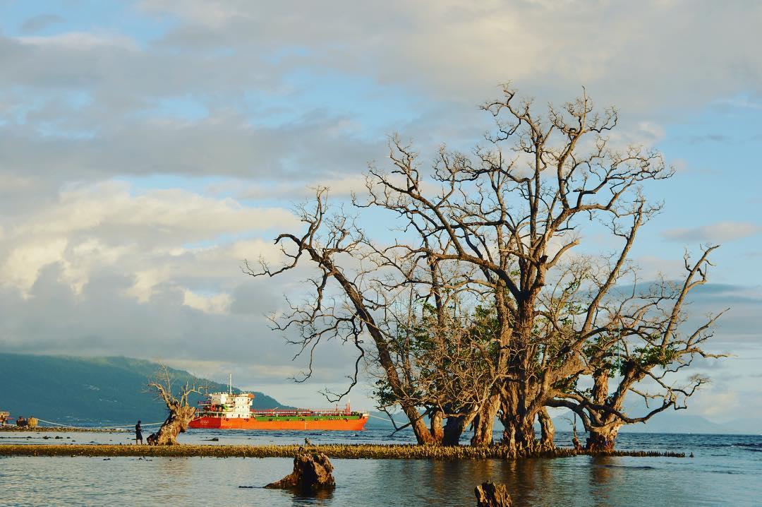 7 Destinasi Wisata Alam Ternate Mampu Sejukkan Hati Pantai Kastela