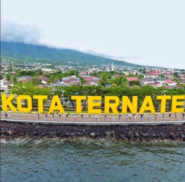 Pesona Kota Ternate Sitti Navisah Muhidin Pantai Kastela