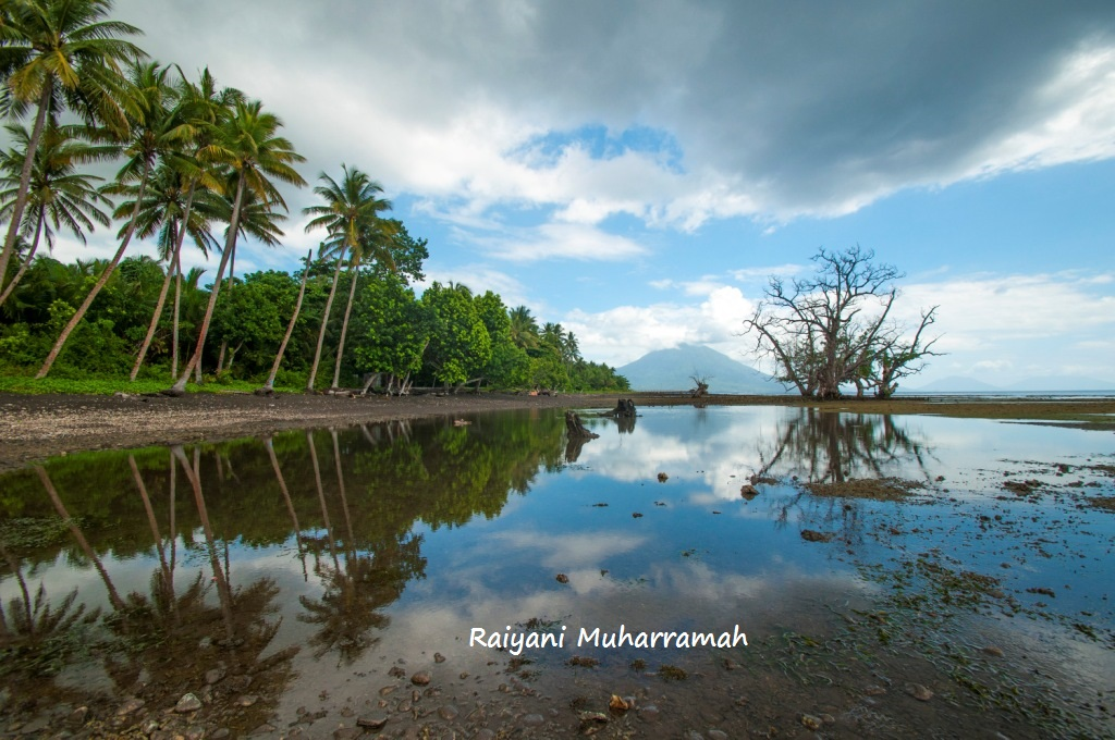 Ternate Antara Danau Mistis Benteng Serupa Alat Vital Pria Pantai