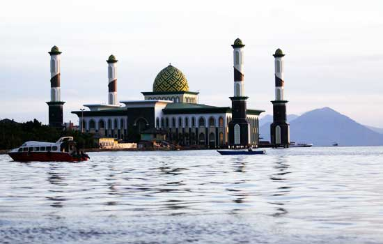 23 Tempat Wisata Terbaik Maluku Utara World 21 Masjid Al