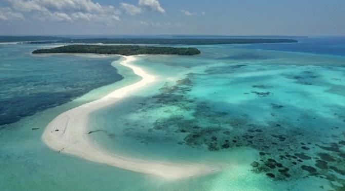 Menengok Keindahan Pasir Timbul Pantai Ngurtafur Daradaeng Panjang Kota Tual