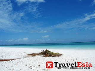 Pantai Ngur Sarnadan Perpaduan Pasir Putih Air Laut Pesawat Tual