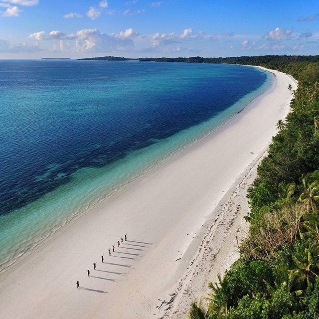 Pantai Ngurbloat Pasir Panjang Kecamatan Kei Kecil Maluku Instagram Post
