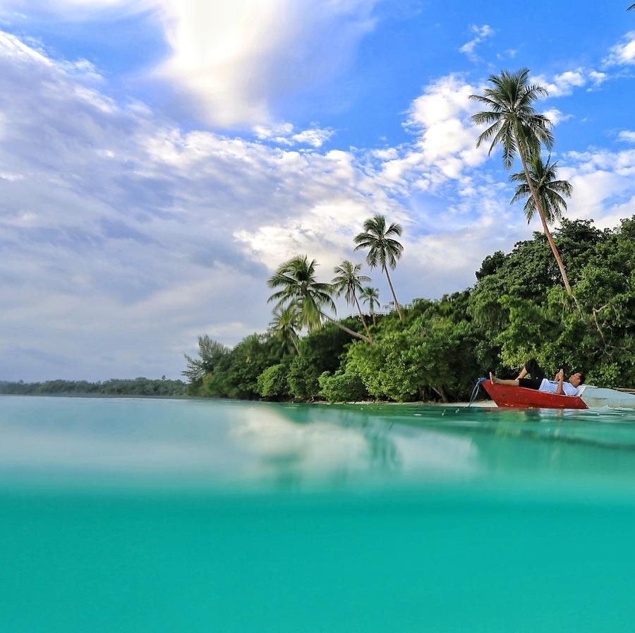 Pasir Panjang Pantai Putih Terhalus Laut Tual Kota