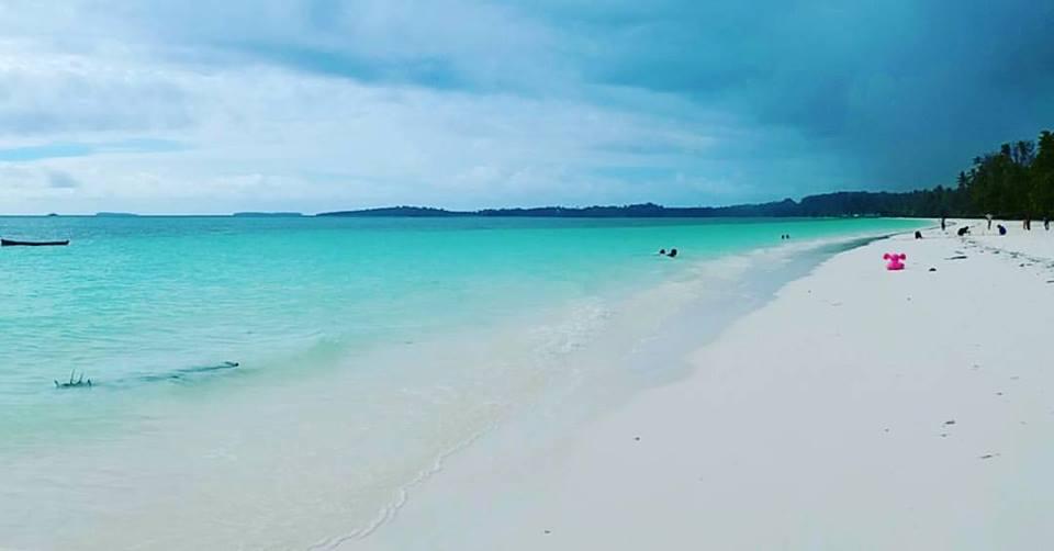 Qureta Baronda Ka Maluku Beta Goyang Leper Pantai Pasir Panjang