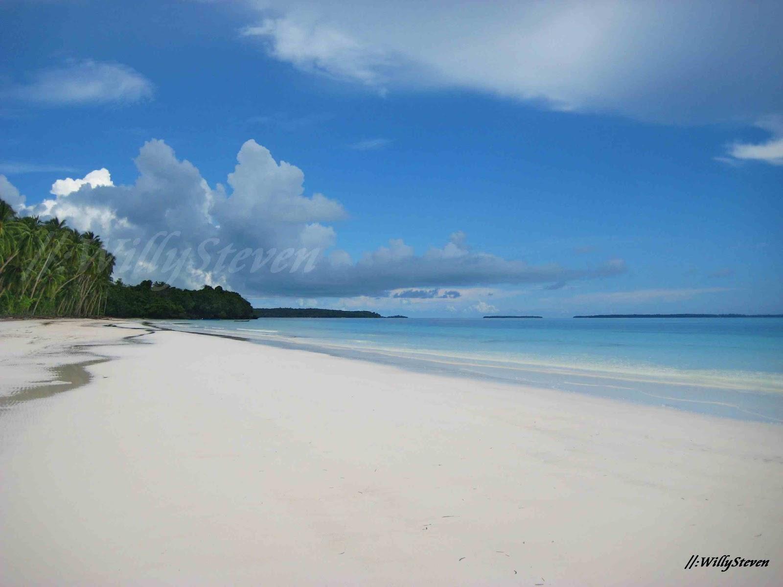 Travellermeds Beauty Beach Maluku Tenggara Pantai Pasir Panjang Ngur Bloat