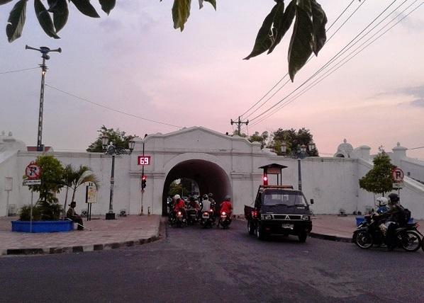 Alun Kidul Menikmati Suasana Malam Jogja Banget Bon Plengkung Gading