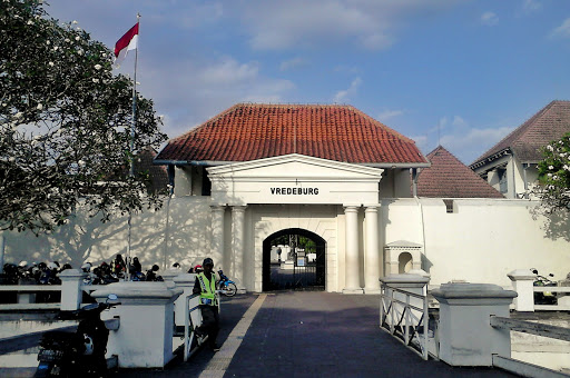 Benteng Vredeburg Mari Museum Risalah Pejalan Kota Yogyakarta