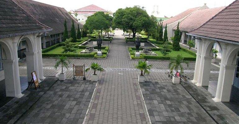 Benteng Vredeburg Obyek Wisata Terbaik 2013 Jogja Kota Yogyakarta