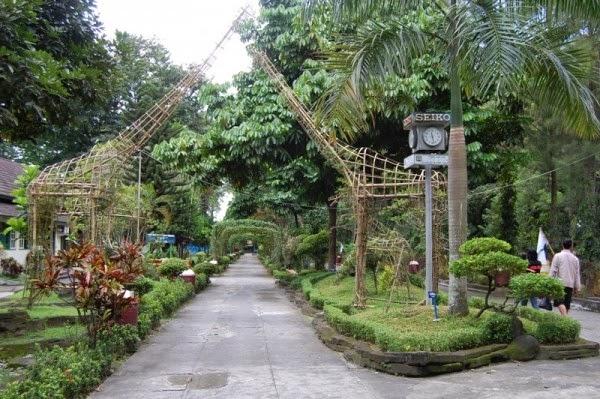 Gembiraloka Kebun Binatang Kota Yogyakarta Tempat Tujuan Wisata Puas Menyantap