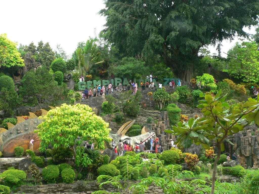Kebun Binatang Gembira Loka Zoo Objek Wisata Yogyakarta Tempat Terindah