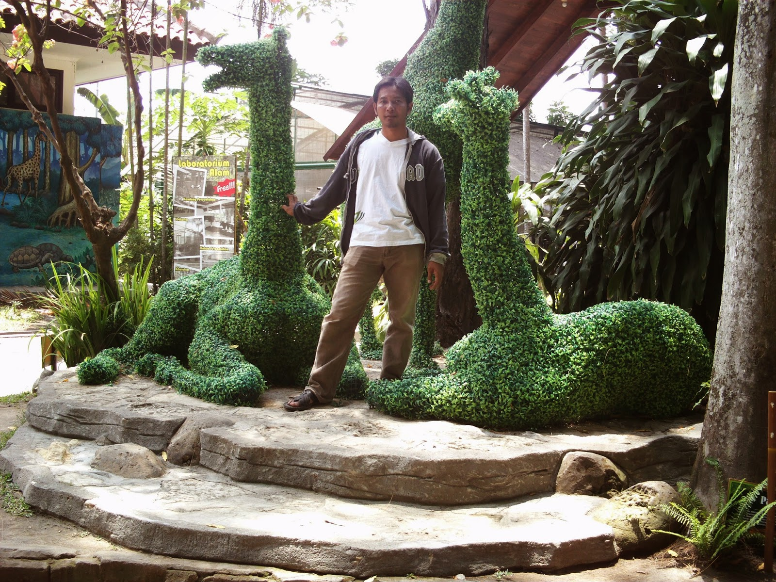 Menikmati Tempat Wisata Kebun Binatang Gembiraloka Yogyakarta Liburan Bersama Keluarga