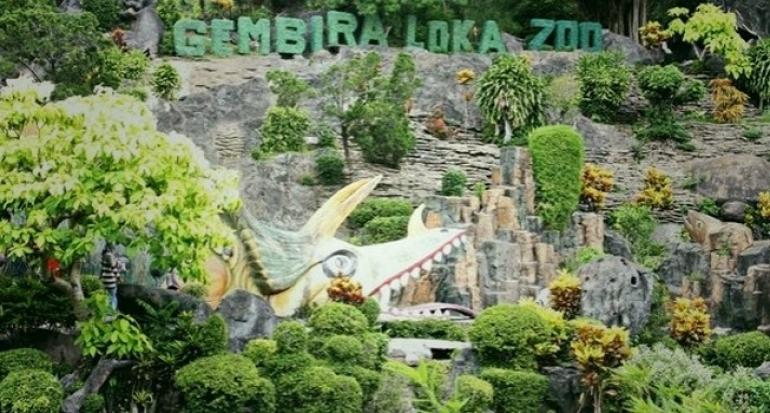 Peraya Padati Kebun Binatang Gembira Loka Bonbin Yogyakarta Kota