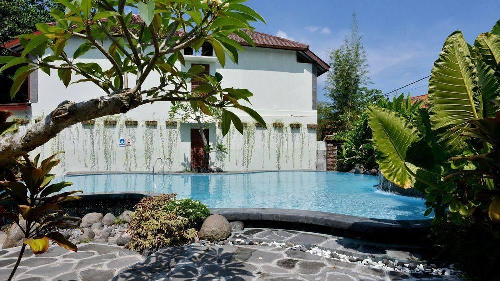 Book Zen Rooms Pakualaman Yogyakarta Hotels Masjid Besar Kota
