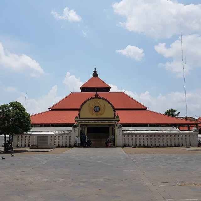 Gedhe Kauman Yogyakarta Saksi Keraton Masjid Kota