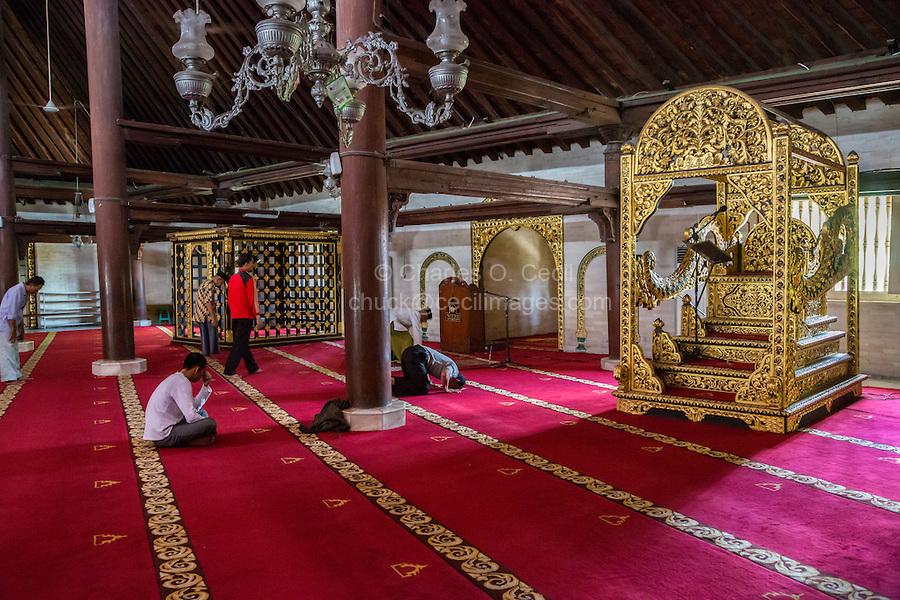 Jav1398 Jpg Cecil Images Yogyakarta Java Indonesia Interior Great Mosque