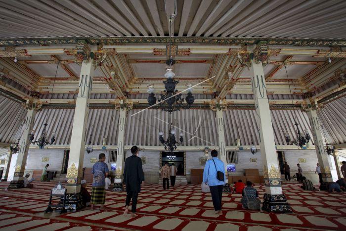 Masjid Gedhe Kauman Yogyakarta Antara Foto Sejumlah Umat Muslim Berada