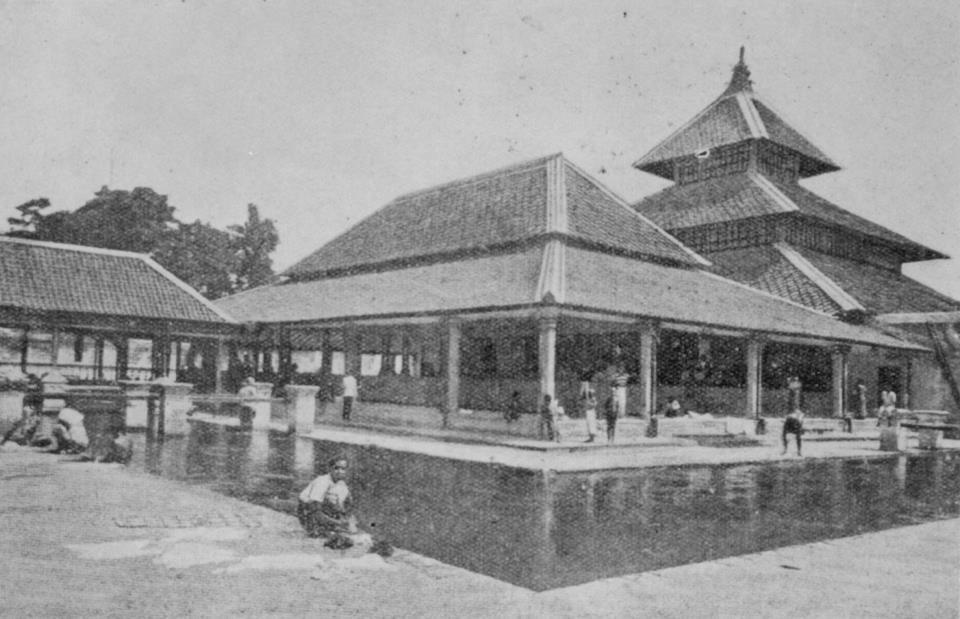 Sejarah Singkat Masjid Gedhe Kauman 378861 192559477503414 1646680751 Kota Yogyakarta