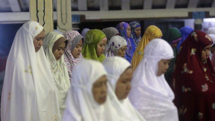 Tarawih Perdana Ratusan Jemaah Padati Masjid Gedhe Kauman Tribun Kota