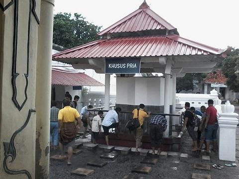 Travelplusindonesia Empat Keistimewaan Masjid Gedhe Kauman Memiliki Pajagan Pa Tempat