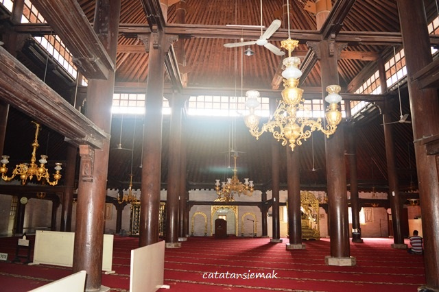 Wisata Sejarah Masjid Gedhe Kauman Catatan Emak Ruang Utama Kota