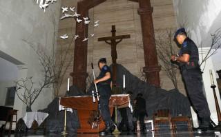 Gegana Sterilkan Gereja Dekat Masjid Syuhada Tribun Jogja Natal 5
