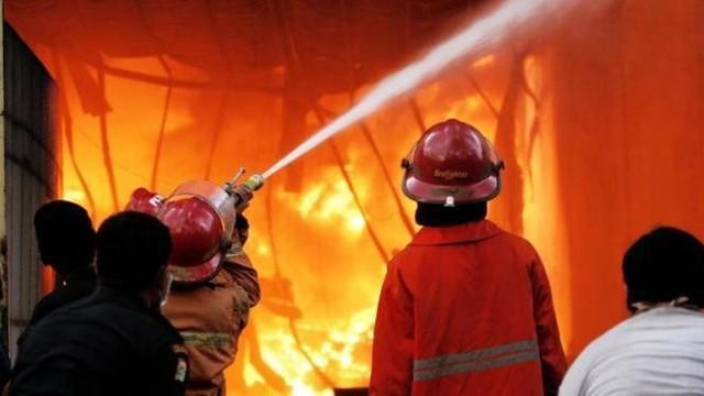 Rumah Warga Klender Terbakar Hingga Museum Anak Kolong Tangga Vidio