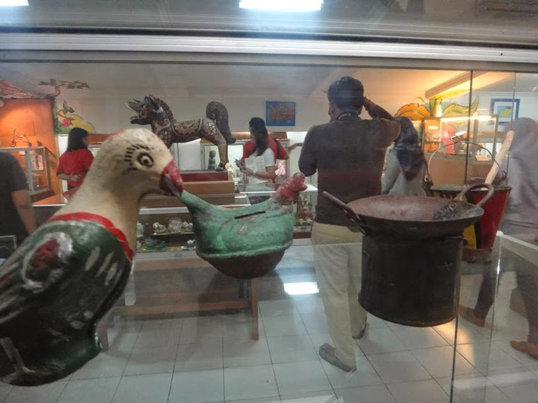 Time Bernostalgia Anak Museum Kolong Tangga2 Tangga Kota Yogyakarta
