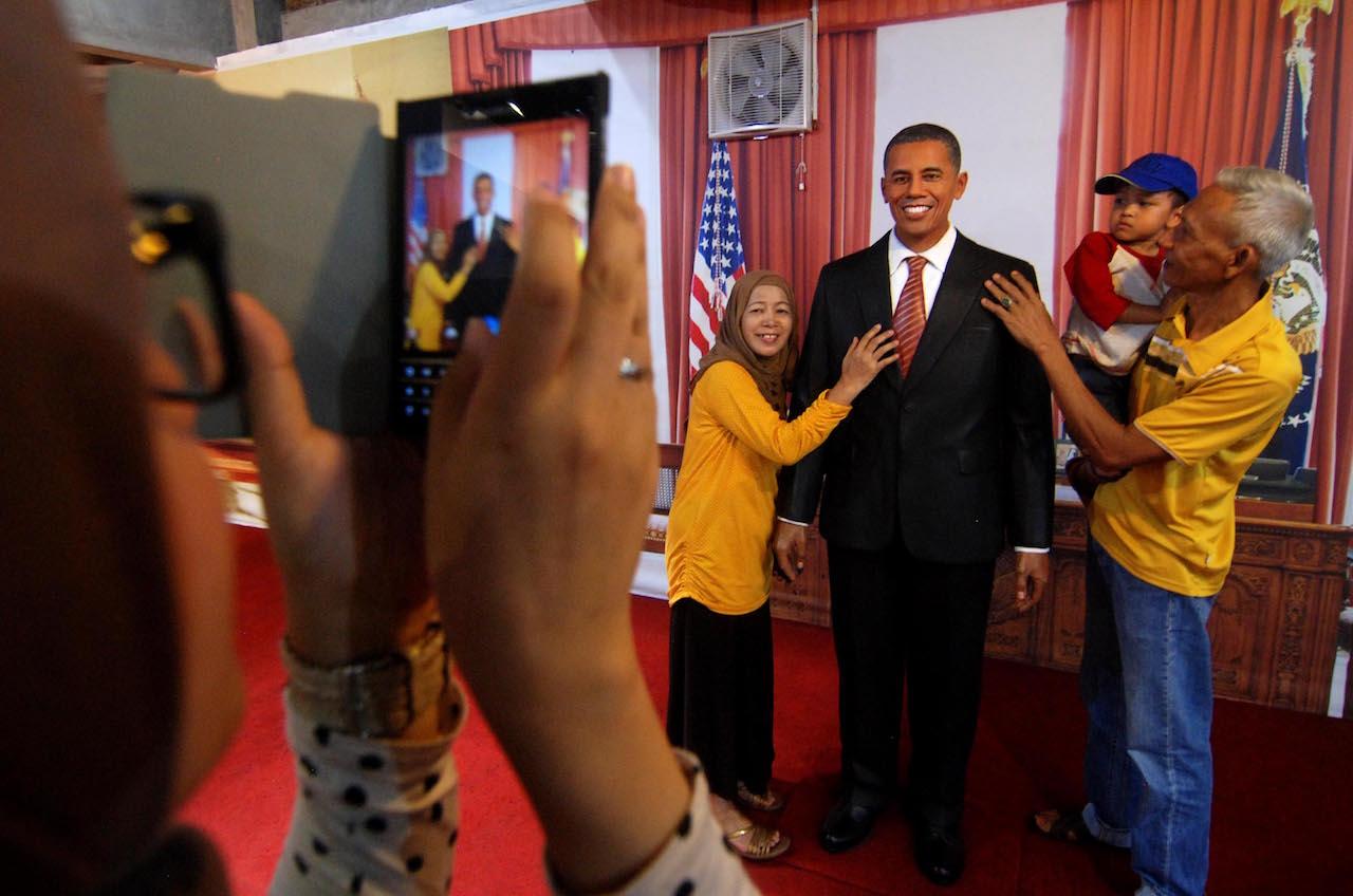 Patung Jokowi Museum Anak Pembantu Pengunjung Foto Bersama Presiden Barack