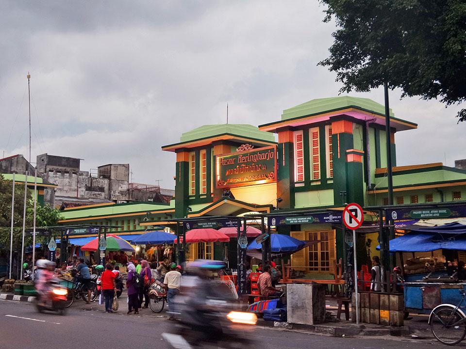 Pasar Beringharjo Buka Sampai Malam Jam Operasionalnya Apalagi Cukup Wisatawan