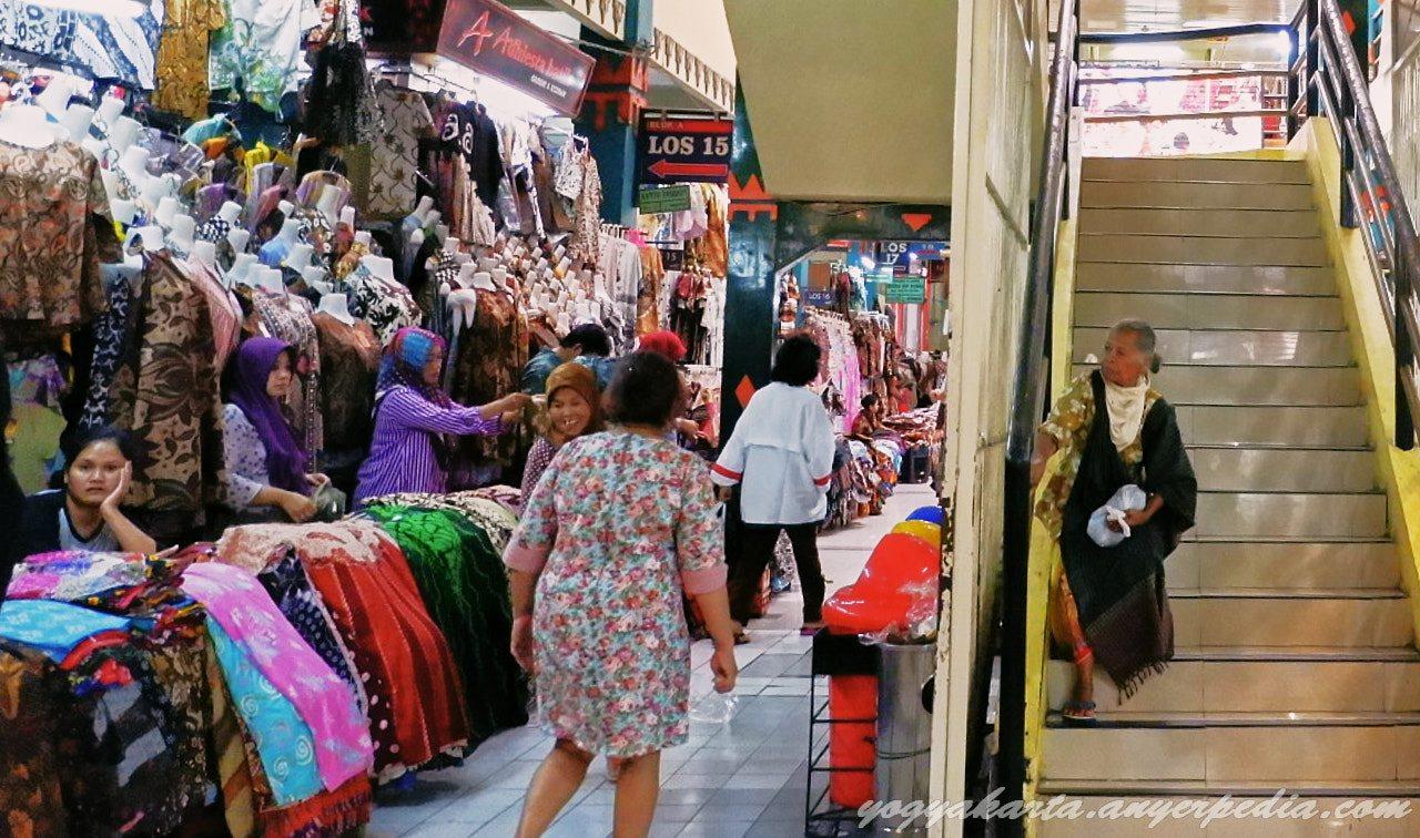 Pasar Beringharjo Tempat Belanja Terlengkap Kota Yogyakarta Dikatakan Tradisional Bringharjo