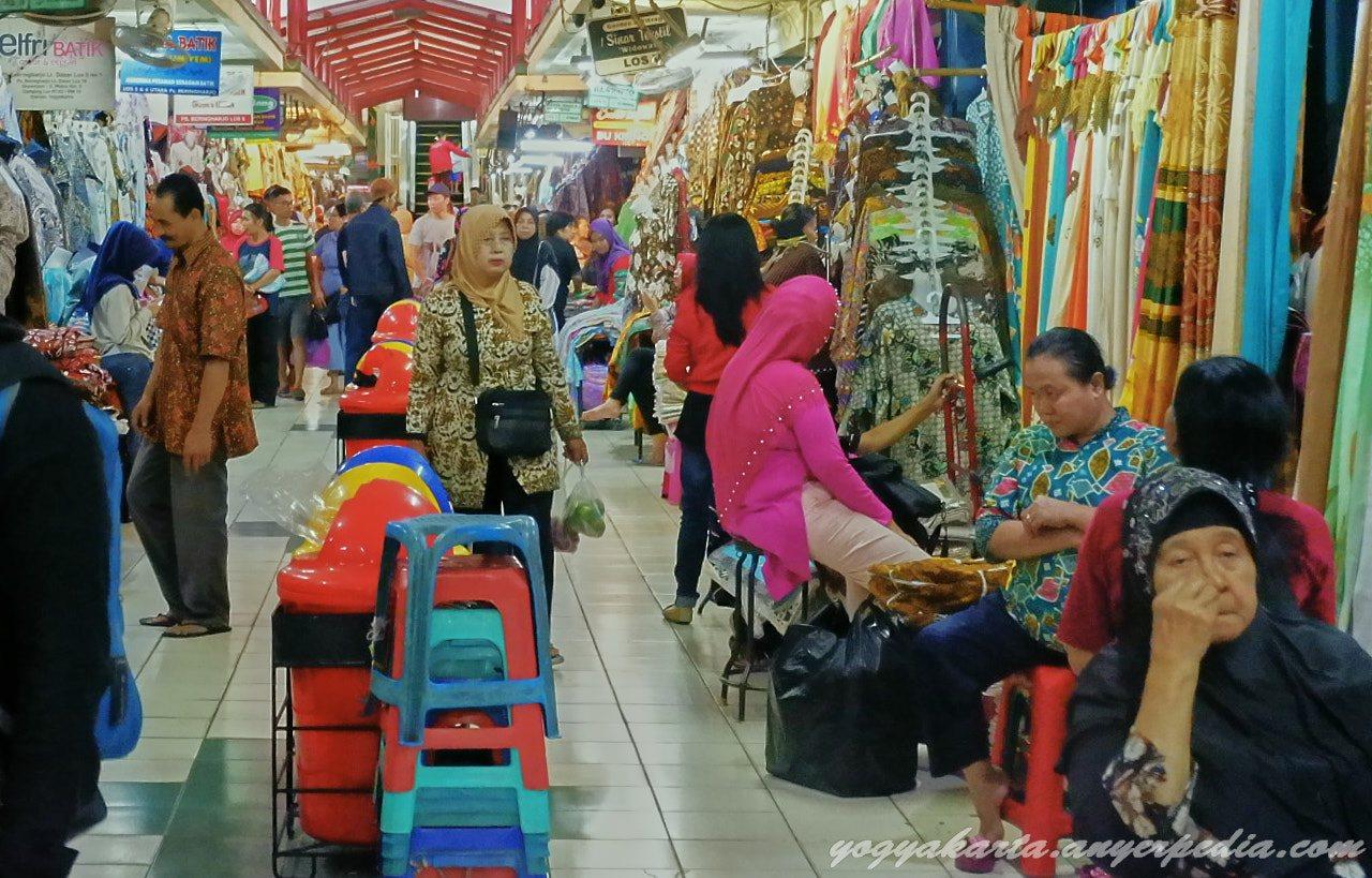 Pasar Beringharjo Tempat Belanja Terlengkap Kota Yogyakarta Ratusan 24 Maret