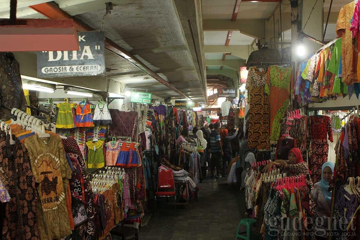 Pasar Beringharjo Yogyakarta Yogya Gudegnet Pusat Sandang Bringharjo Kota