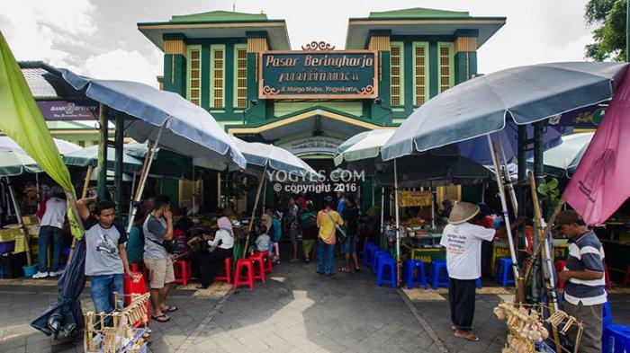 Sri Sultan Marwoto Ramaikan Kenduri Beringharjo Tribun Pasar Bringharjo Kota