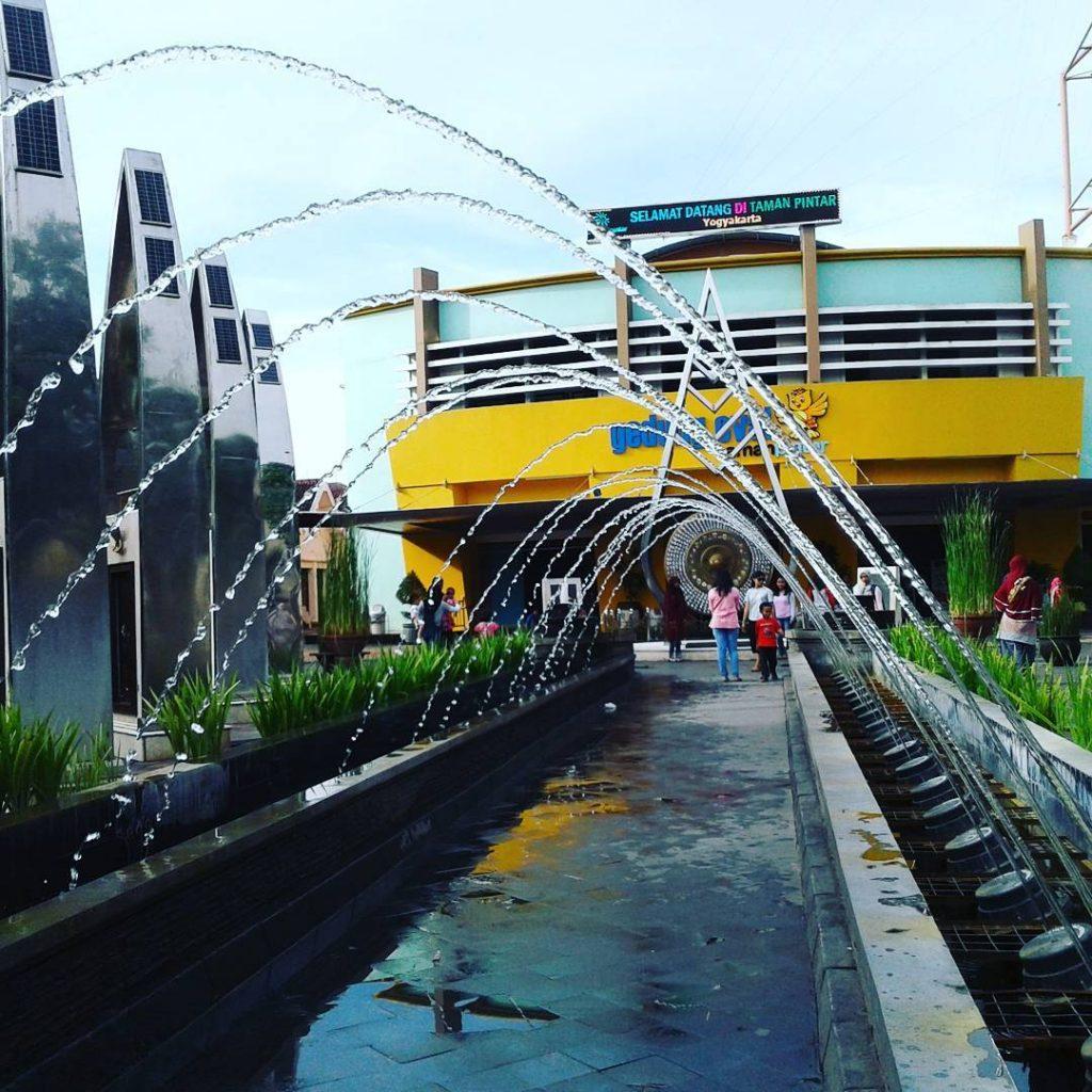 Jogja Empat Roda Rental Mobil Sewa Wisata Taman Pintar Yogyakarta