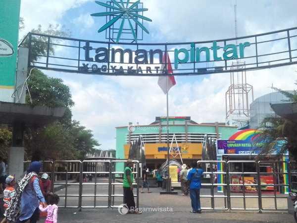 Taman Pintar Yogyakarta Wahana Rekreasi Edukasi Jogja Kota Science Park
