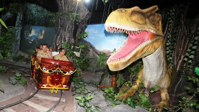 Wow Dinosaurus Taman Pintar Tribun Jogja Yogyakarta Kota