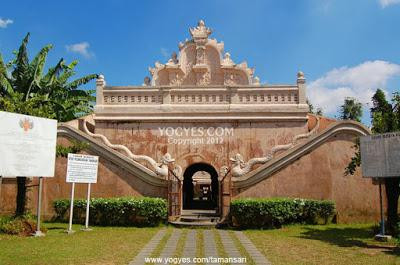 Menjelajahi Istana Air Taman Sari Yogyakarta Memesona Life Source Http