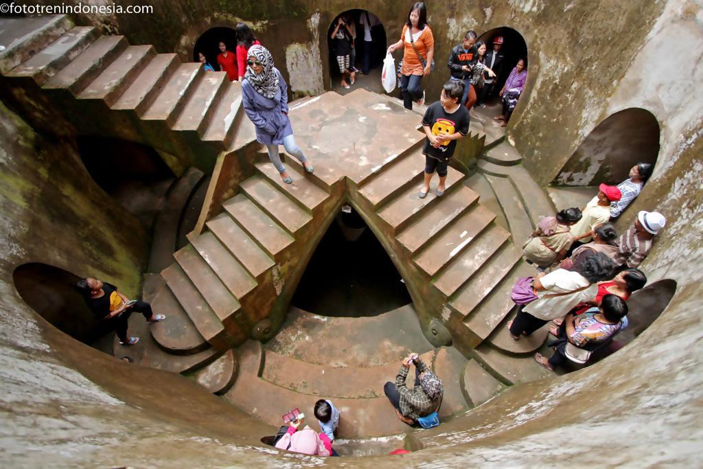 Pengunjung Berwisata Komplek Situs Istana Air Tamansari Kraton Yogyakarta Minggu